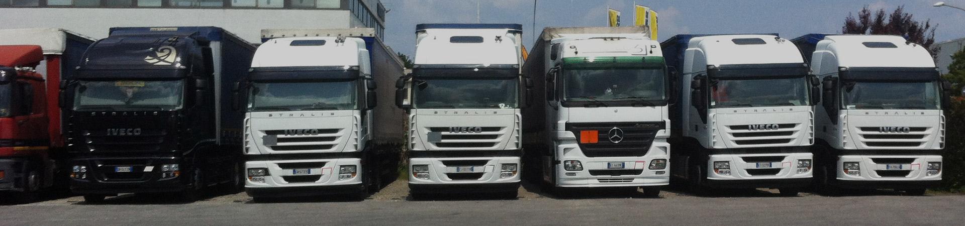 La flotta mezzi di Azzurra Trasporti