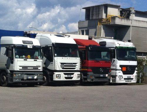 Servizio di trasporto merci pericolose Azzurra Trasporti